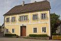 Pfarrhof in Neukirchen am Ostrong.jpg