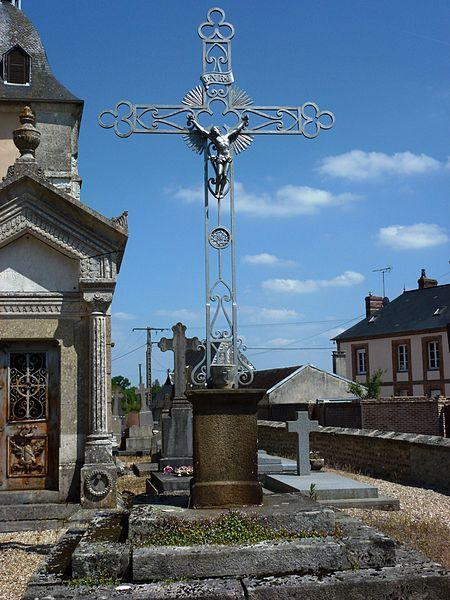 Piencourt (Eure) croix de cimetière