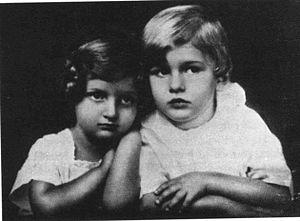 Hannah Szenes - Hannah Szenes and her brother, Budapest, circa 1924
