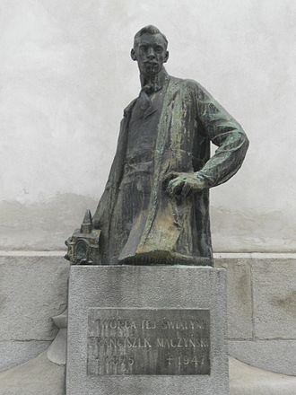 Franciszek Mączyński - Statue of Mączyński by Xawery Dunikowski, 1912