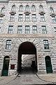 Porte cochère rue de la Vieille-Université 02.jpg