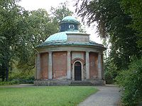 Potsdam antikentempel.jpg