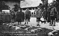 Prinzregent Luitpold von Bayern nach einer Jagd auf Gämsen bei der Inspektion der Jagdtrecke in Vorderiß.png