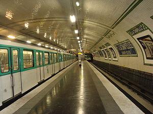 Porte de la Chapelle (Paris Métro) - Image: Pte Chap sortiefond