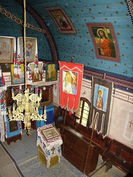 Fișier:RO MM Costeni St Nicholas wooden church 9.jpg