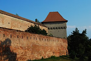 RO MS Targu Mures fortress wall 1.jpg