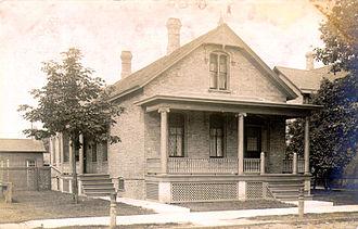 Cream City brick - Cottage in Racine, Wisconsin, 1910