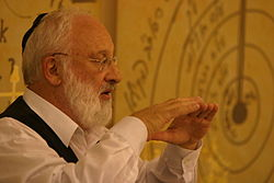 Rav Laitman puts a lecture at the Kabbalah.jpg