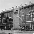 Reclamezuil voor het Centraal Station te Rotterdam, Bestanddeelnr 917-7899.jpg