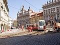 Reko TT Malostranské náměstí, Škoda 14T, průjezd.jpg