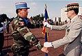 Remise de l'étendard au Colonel Renaudin, le 3 juillet 1999..jpg
