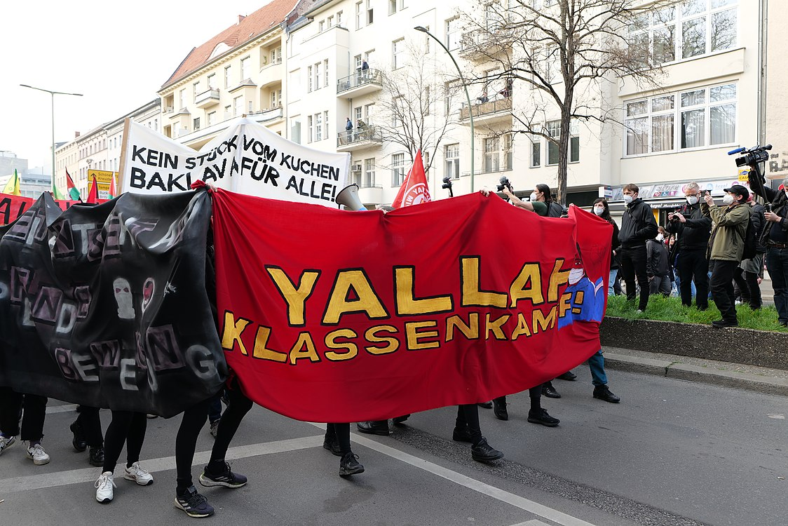 Revolutionary 1st may demonstration Berlin 2021 20.jpg
