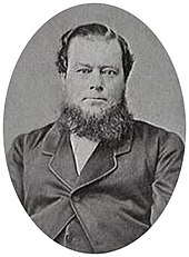 Photograph of bearded man without moustache