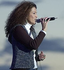 Coolidge performing at an outdoor concert in Seattle in September 2002