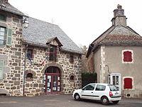 Saint-Chamant-FR-15-mairie-1.jpg