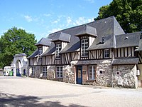 Saint-Philbert Prieuré.jpg