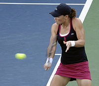 Samantha Stosur at the 2009 US Open 04.jpg