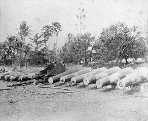 Samoan crisis salvaged guns.jpg