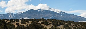 English: San Francisco Peaks seen from U.S. Ro...