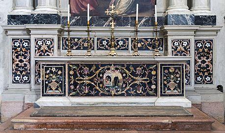 Santa Giustina (Padua) - Left nave – Chapel of St. James the Less – Altar in polychrome stones