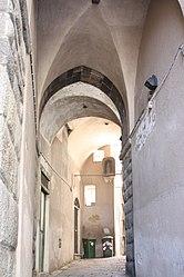 Savona vault-covered street 3.jpg