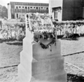 Shaheed Minar at Kola Bhavan 21 Feb 1953.png