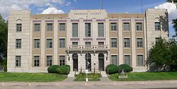 Sherman County, Kansas courthouse from W 1.JPG