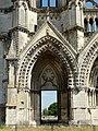 Soissons (02), abbaye Saint-Jean-des-Vignes, abbatiale, façade occidentale, portail du bas-côté nord 2.jpg