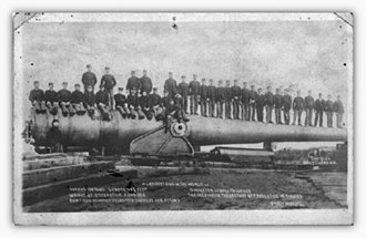 16-inch gun M1895 - Image: Solider standing on the 16 inch Coastal Defense Gun M1895 at Sandy Hook Proving Grounds, NJ