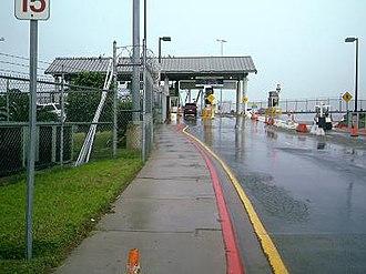 Brownsville & Matamoros International Bridge - Image: Southbound Brownsville & Matamoros Bridge