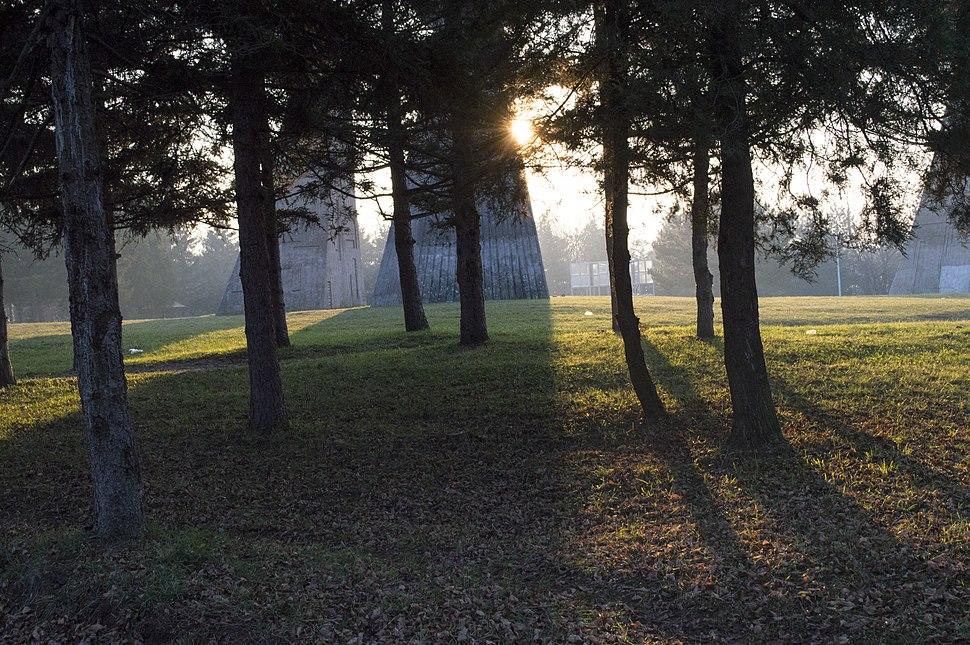 Spomen park Bubanj sumrak