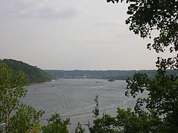 St. Croix River above Stillwater Minnesota.JPG