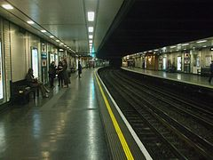 St James's Park stn look anticlockwise.JPG