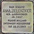 Stolperstein für Anna Zielenziger (Potsdam).jpg