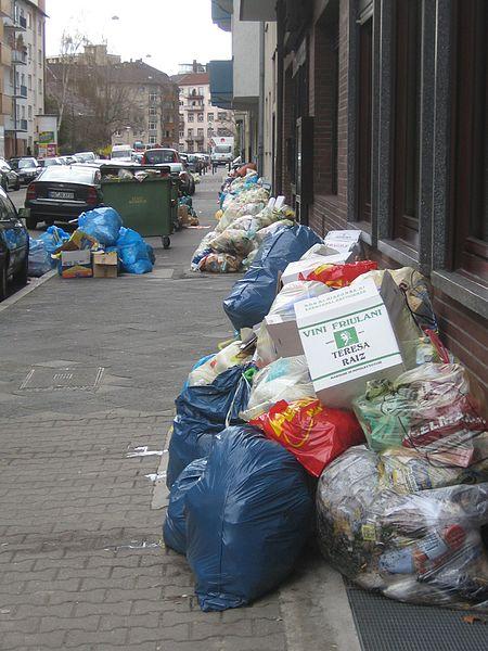 Streik der Müllabfuhr Mannheim 2006, Bild von Creando auf wikipedia.de unter CC BY-SA 3.0