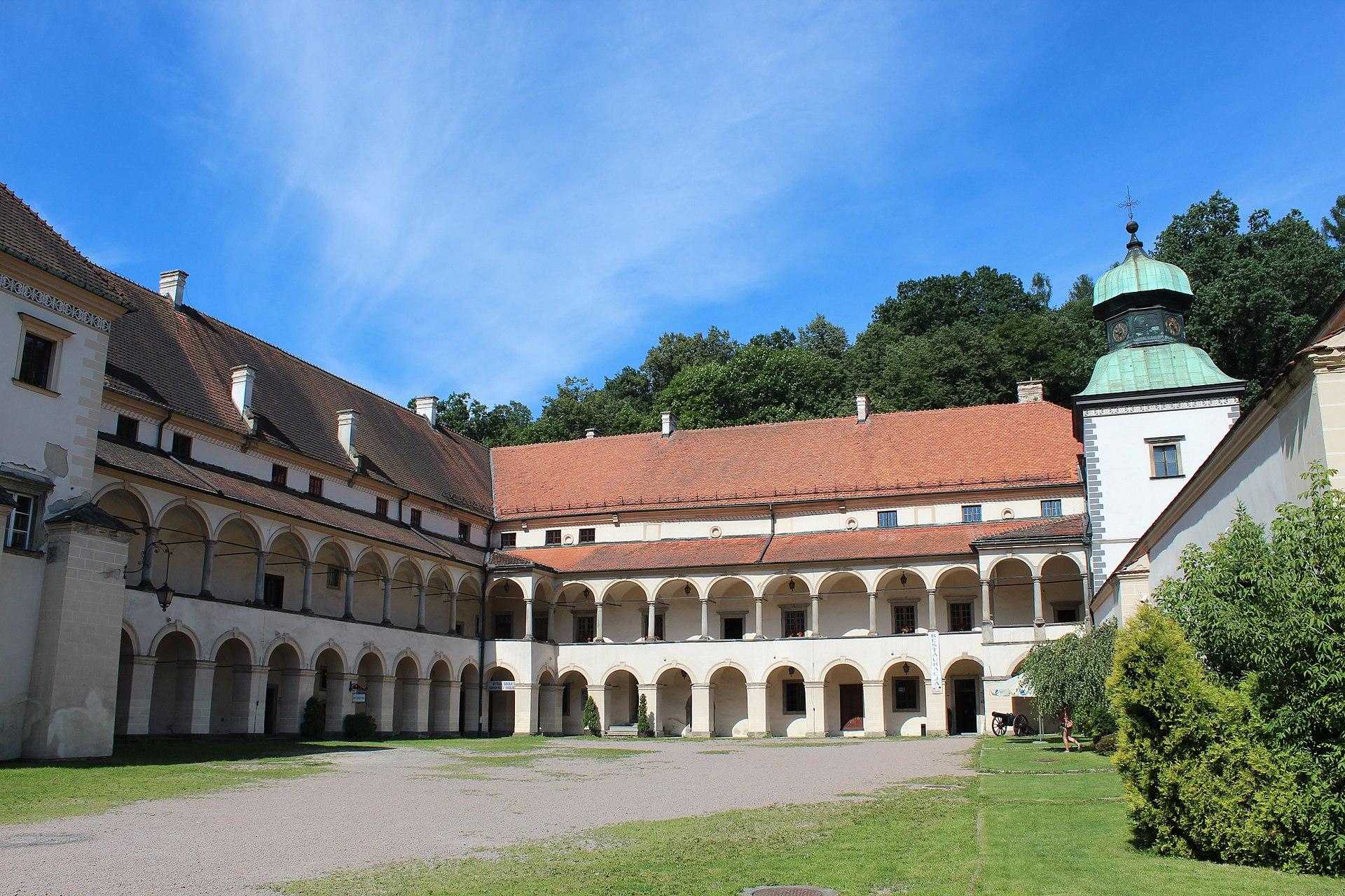 Zamek Suski w Suchej Beskidzkiej