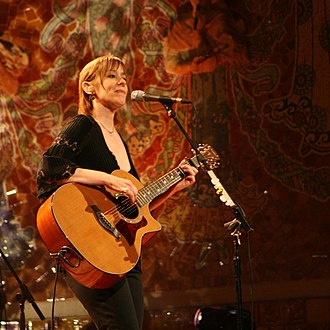 Suzanne Vega - Vega onstage, 2008