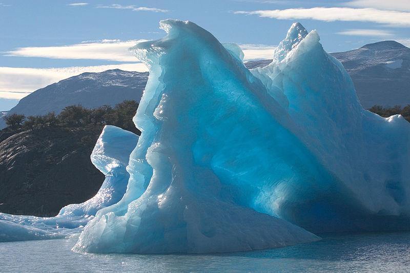 Resim:Tèmpanos (iceberg) Lago Argentino Brazo Norte Patagonia Argentina Luca Galuzzi 2005.JPG