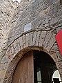 Tarifa entrada castillo placa en arabe.jpg