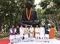 The Prime Minister, Shri Narendra Modi paying homage at the statue of Mahatma Gandhi, at Motihari, in Bihar (1).jpg