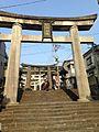 Torii of Suwa Shrine 1.jpg