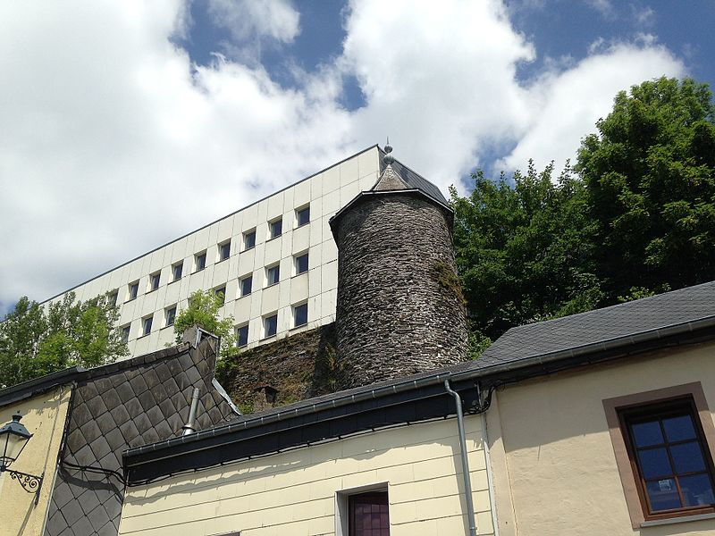 The Tour Griffon or Griffon Tower is the only visible remaining part of the castle in the small Belgian town of Neufchâteau.