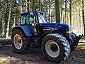 Tracteur New Holland TM190 dans la forêt (août 2018).jpg