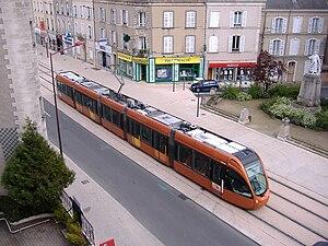 Le Mans tramway - Image: Tram Le Mans Avenue du Général Leclerc