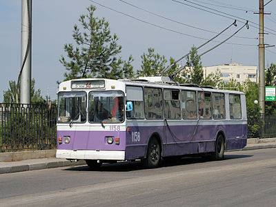 Троллейбус на проспекте Героев