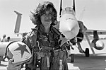USN Female Fighter Pilot Lt. Tammie Jo Shults (Bonnell) poses in front of her F-18 Hornet aircraft(3363640 Milne-4aInsta).jpg