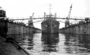 USS-Audubon ABSD-No5-floating-dry-dock Guiuan-Samar Aug-1945.png