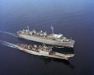 USS Acadia (AD-42) - Image: USS Acadia AS 42 USS Fresno LST 1182 1982