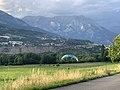 Un parapente à l'atterrissage à Embrun en juillet 2020 (2).jpg