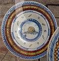 Urbino o pesaro, tagliere con decoro alle geometrizzazioni, 1480-1500, 2.JPG